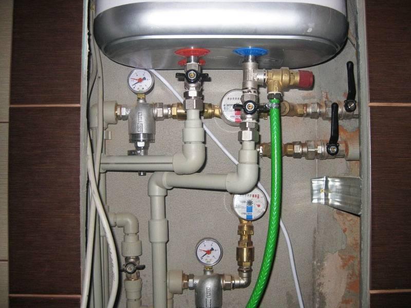 Как сливать воду с водонагревателя, целесообразность процесса