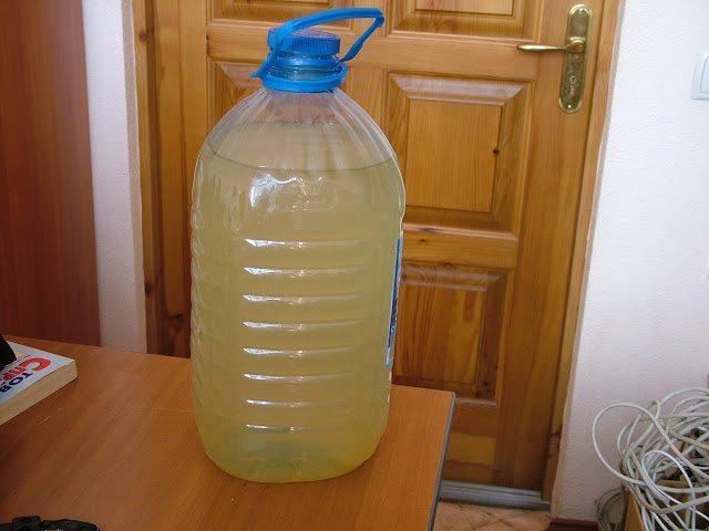 Почему в колодце желтая вода