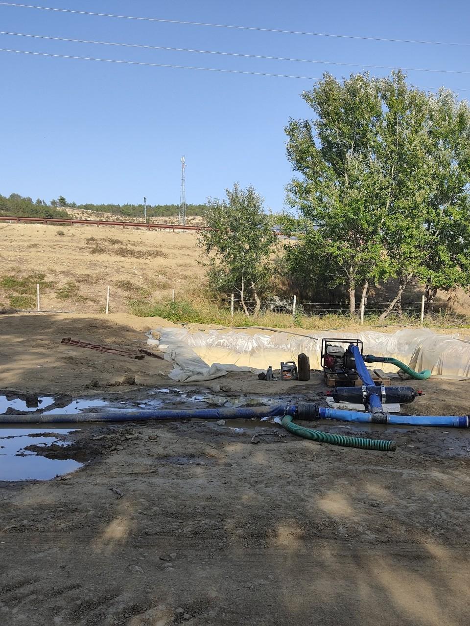 Как найти воду на участке для колодца: поиск места, определить и копать, выбрать, водоносные слои земли, народным способом