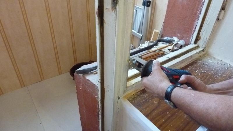 Как утеплить дверь на балконе - видео, инструкция