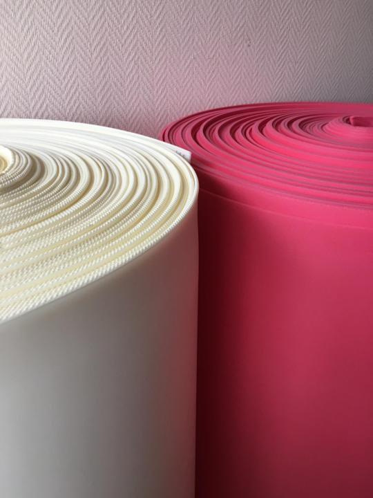 Применение фольгированного изолона для утепления стен