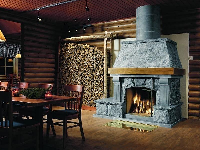 Камин в деревянном доме (101 фото): стильный металлический на втором этаже дачи, последние тенденции
