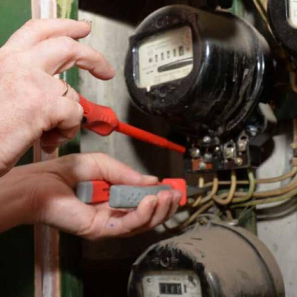 Как узнать срок службы счетчика электроэнергии и когда менять - жми!