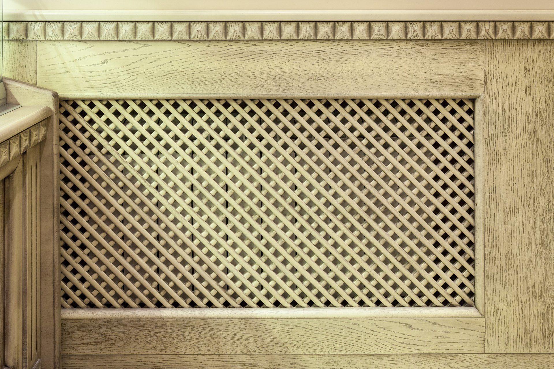 Необходимо установить защитный экран на батарею отопления? металлические решетки – отличный выбор
