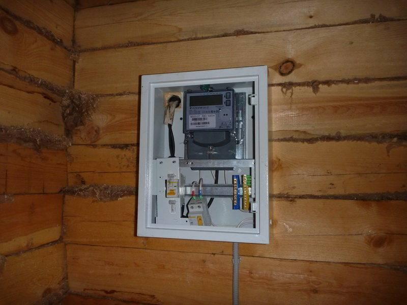 Правила установки электросчетчика в частном доме 2020: изменения и поправки