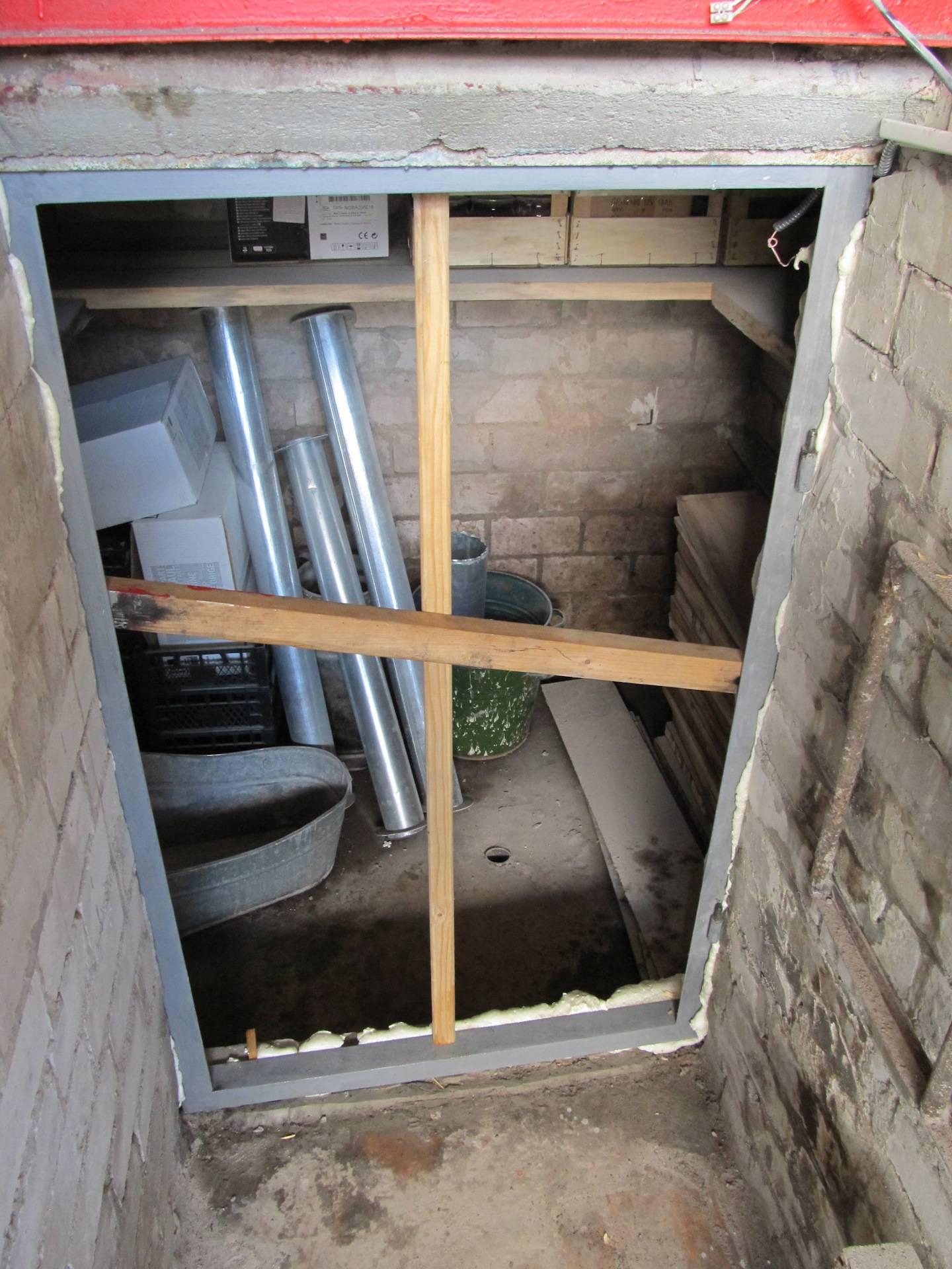 Отделка подвала в гараже - простая и недорогая изоляция стен, пола и потолка