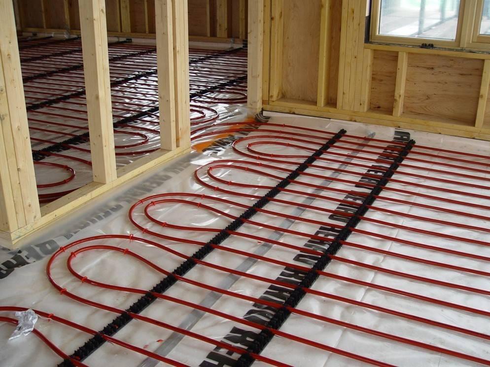 Тёплый пол в деревянном доме водяной, по деревянным полам - варианты устройства!