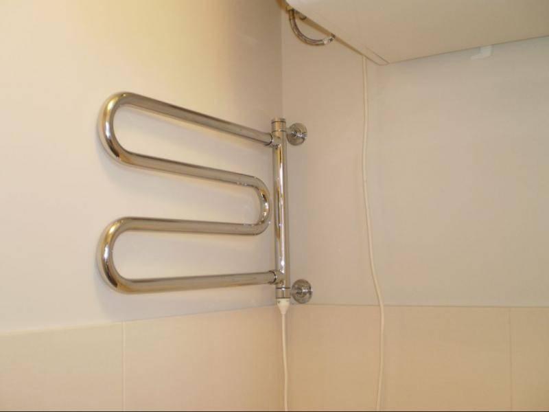 Переносим полотенцесушитель на другую стену без помощи профессионалов