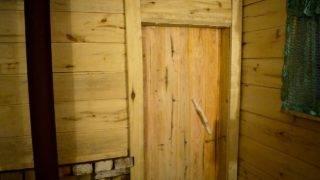 Как и чем утеплить дверь в бане своими руками: способы термоизоляции и обшивки