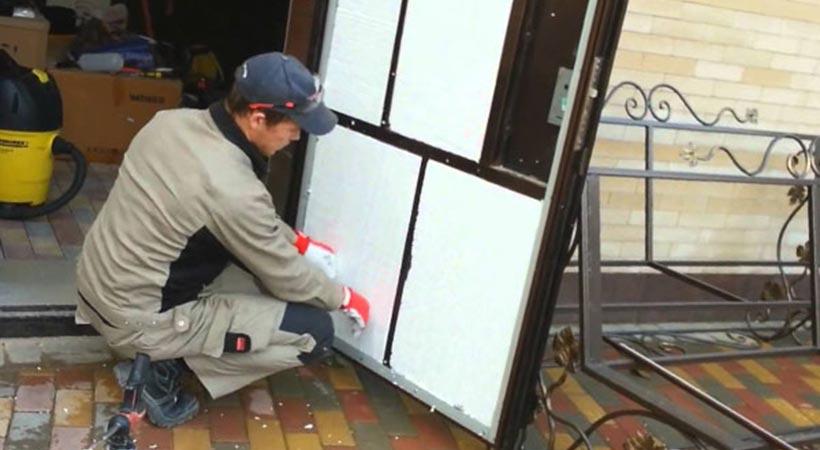 Утепление китайской металлической двери своими руками, разновидности теплоизоляционных материалов