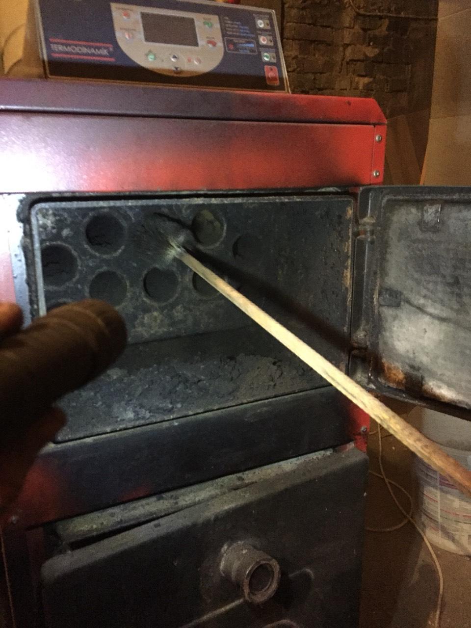 Как очистить котел от смолы? как почистить котел от сажи в домашних условиях чистка дровяного котла от смолы