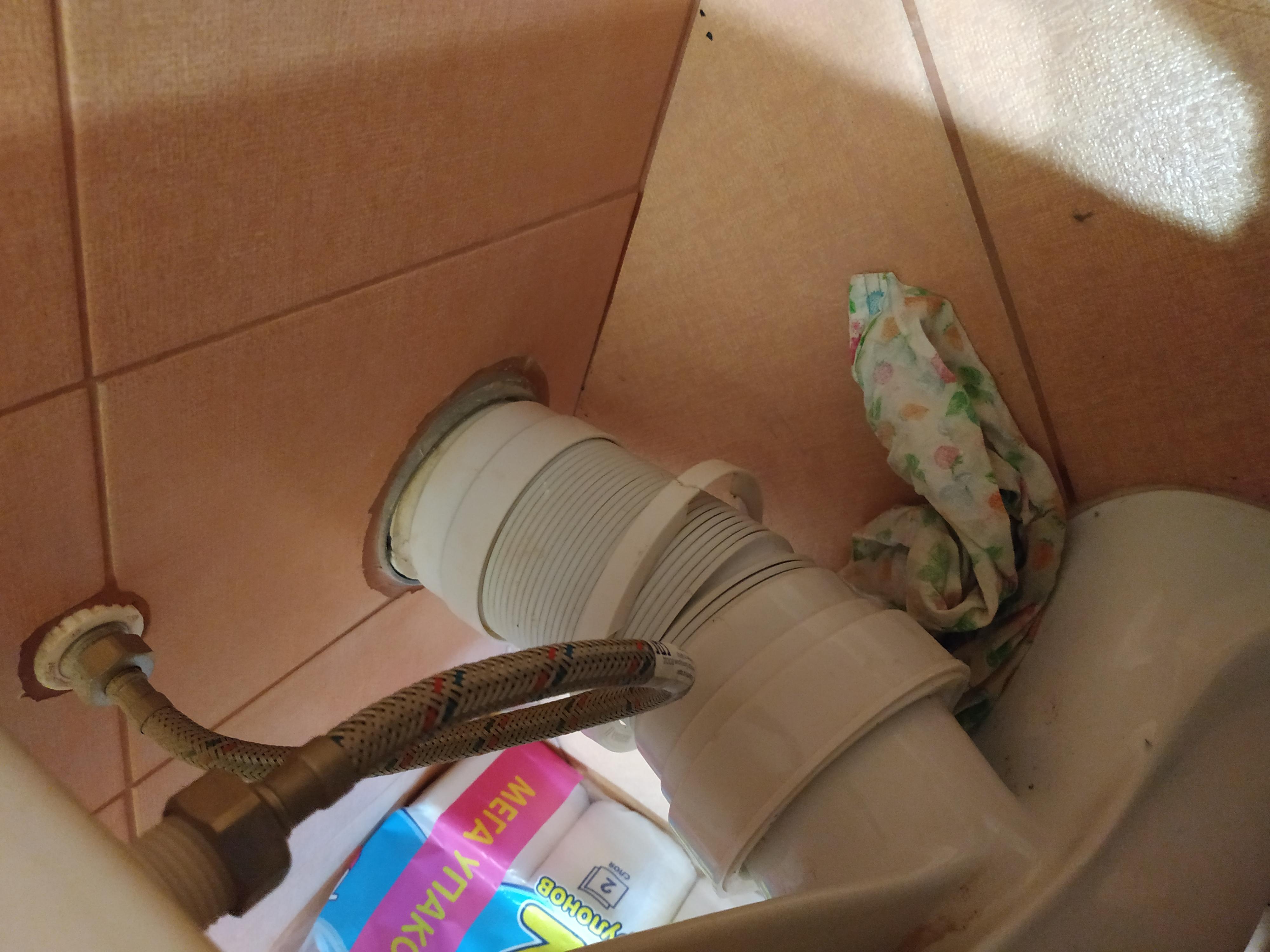 Гофра для унитаза (52 фото): манжета размером 110 мм, замена эксцентрика и фановой трубы, как подключить гофрированный слив