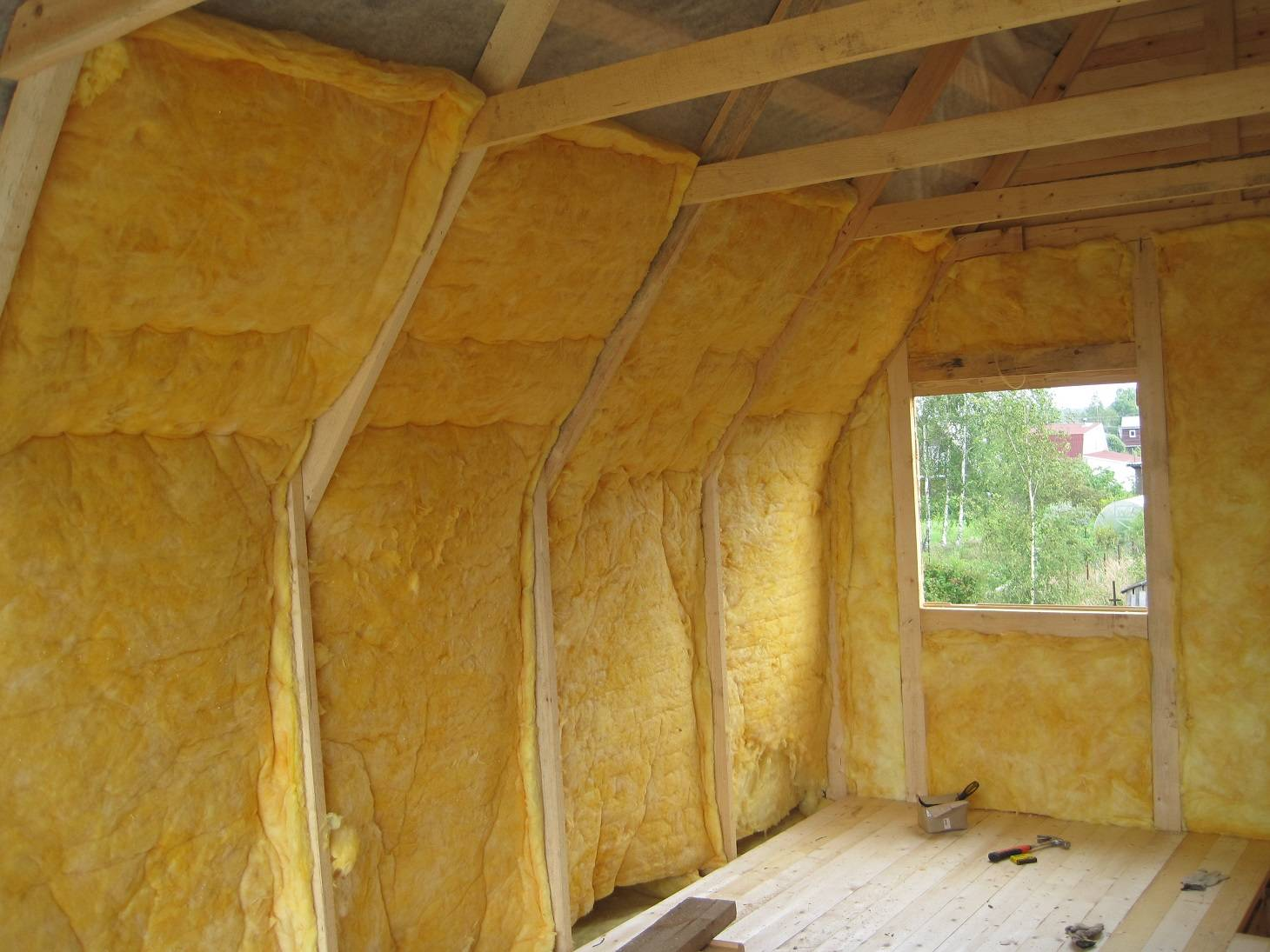 Утепление стен изнутри (внутри) дома и квартиры своими руками