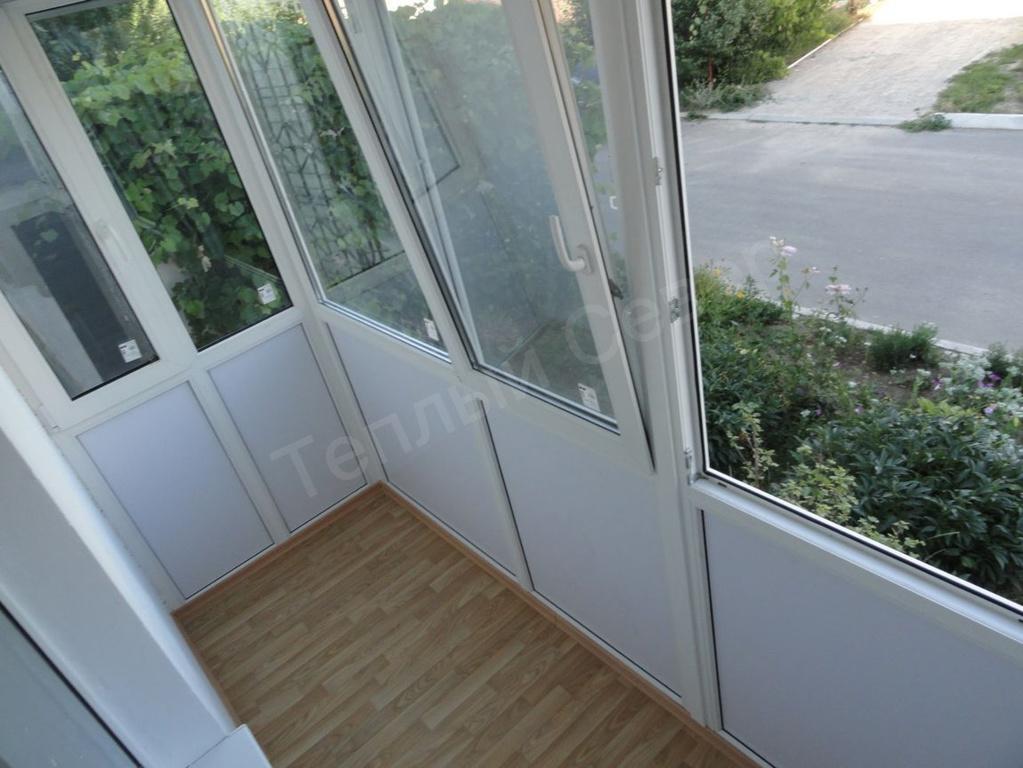 Установка металлопластикового окна в сэндвич-панель: чем отличается технология