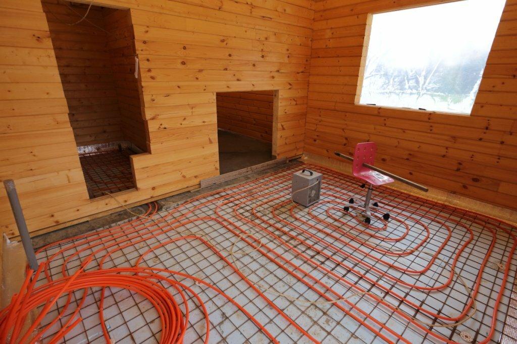 Теплый пол в бане от печки: схема водяного пола под плитку, из бутылок, устройство в деревянной бане на фото и видео