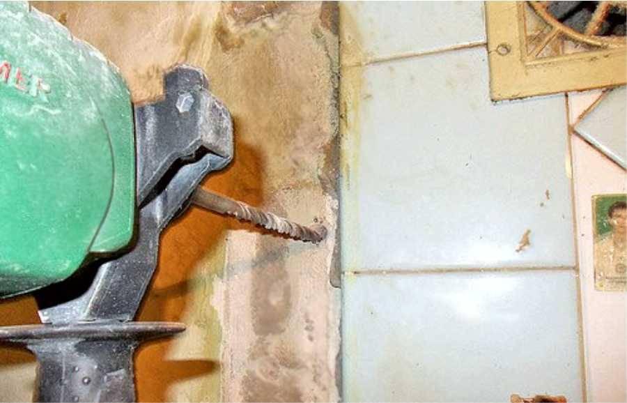 Как повесить водонагреватель на стену: правила крепления и установка своими руками
