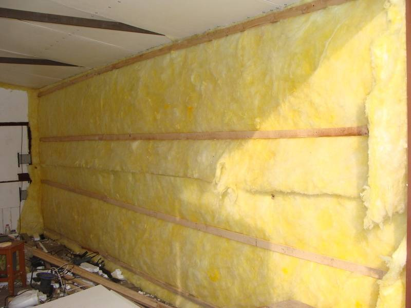 Утепление гаража: как утеплить изнутри и снаружи, утепляем своими руками потолок, делаем теплой постройку из профнастила при помощи минваты