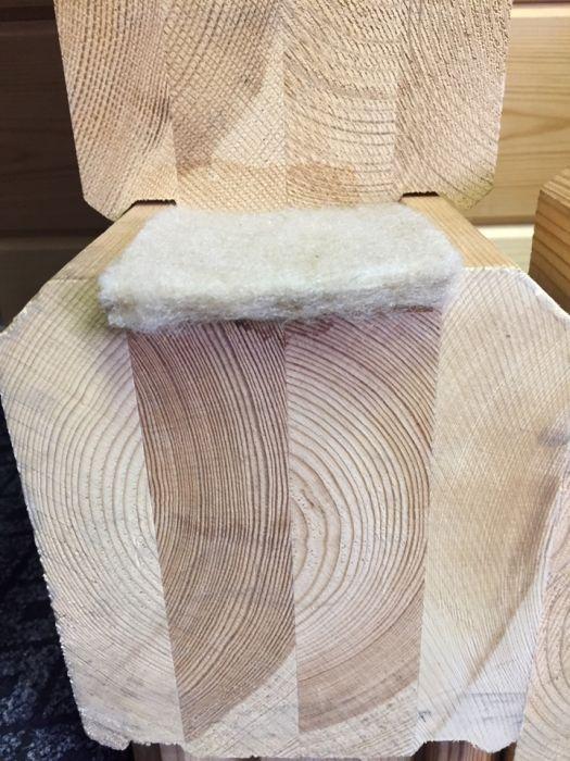 Каким должен быть межвенцовый утеплитель для деревянного дома