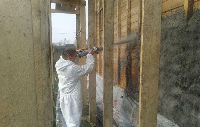 Стоит ли утеплять деревянный дом изнутри?   плюсы и минусы