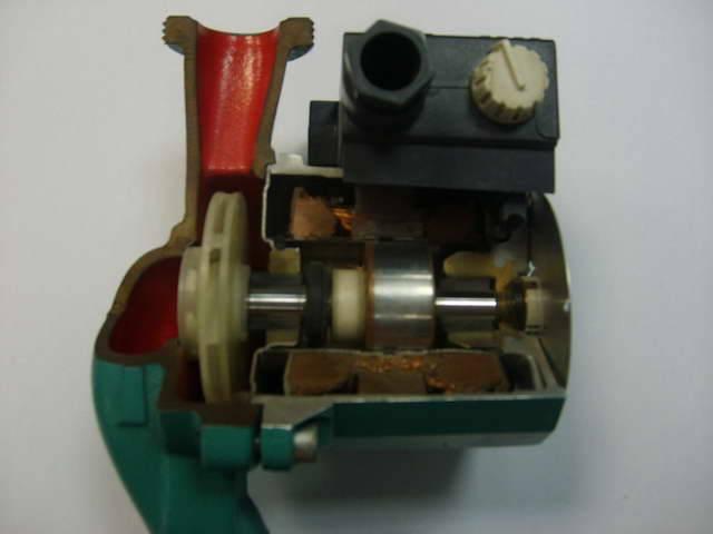 Почему шумит насос в системе отопления, гудит, свистит и трещит циркуляционное устройство, что делать, причина и ее устранение