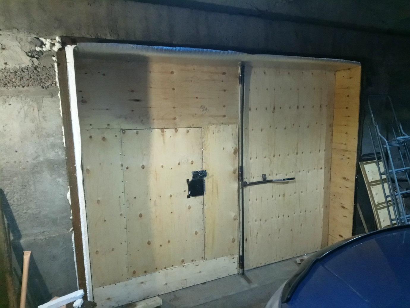 Способы утеплить ворота гаража своими руками