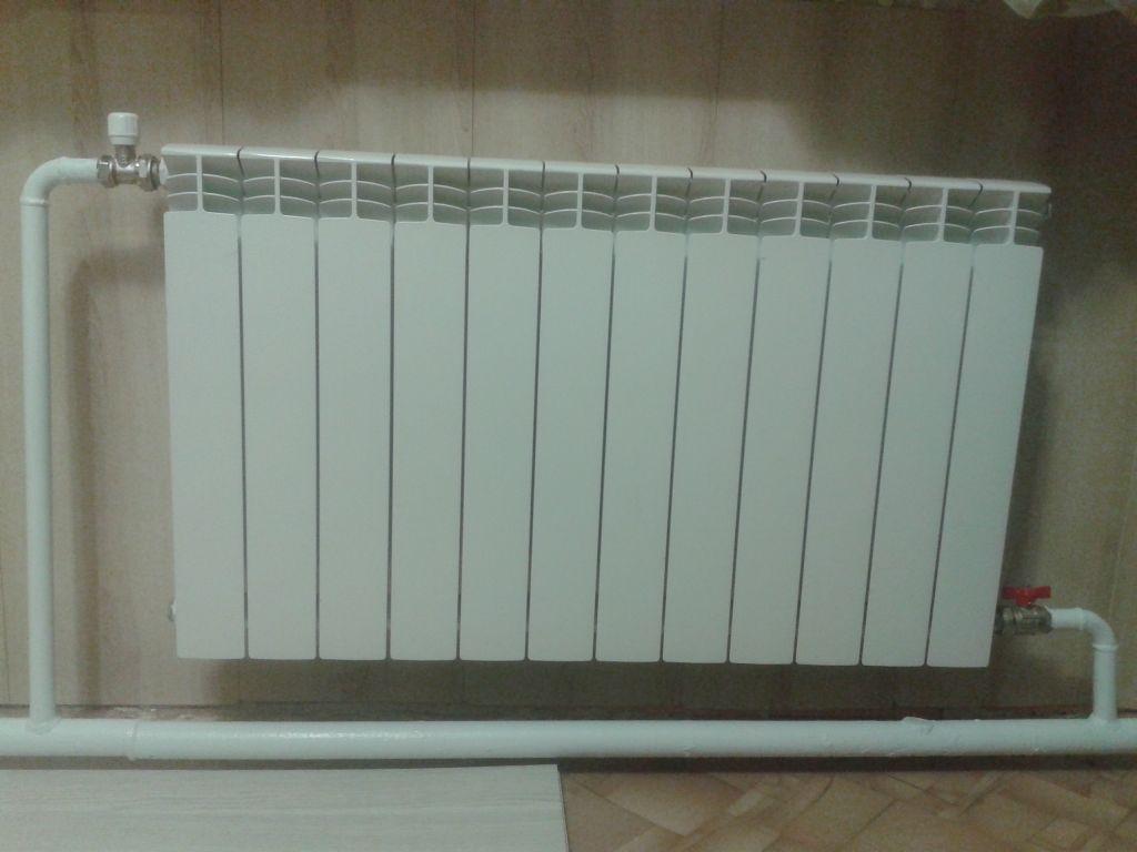 Почему биметаллические радиаторы вверху горячие и внизу холодные: причины и решения | stroimass.com