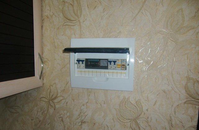 Замена старого счётчика электроэнергии на новый: общие сведения, порядок действий, установка в квартире