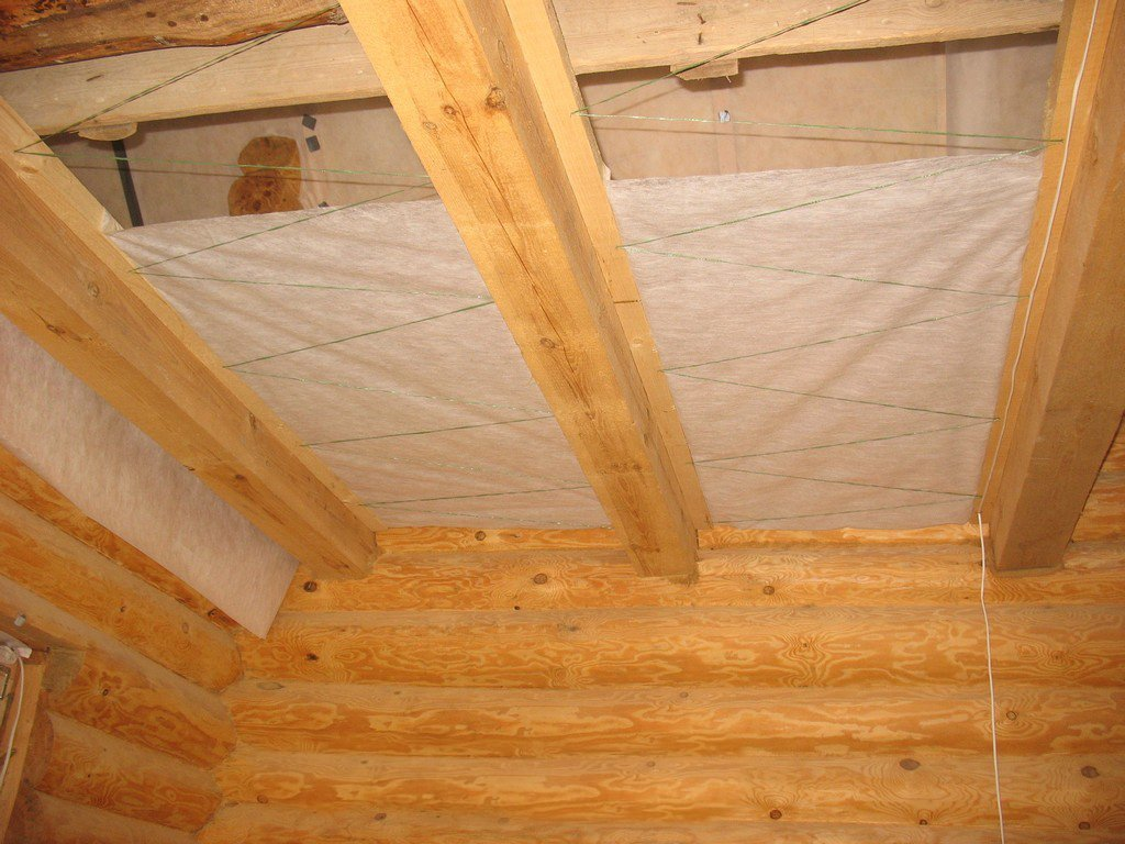 Как выполняется пароизоляция стен каркасного дома?