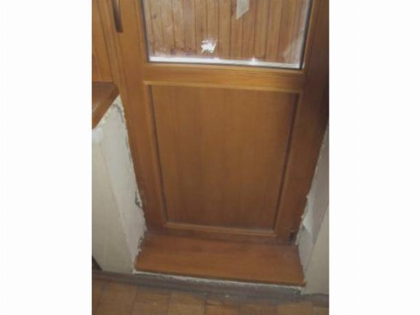 Особенности пластиковых входных дверей, их утепление и регулировка