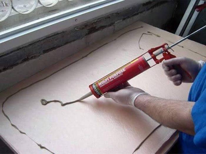 Клей для пенополистирола: пена для экструдированного утеплителя, чем склеить между собой, выбор клеящего состава для крепления пенополистирольных плит к разным поверхностям