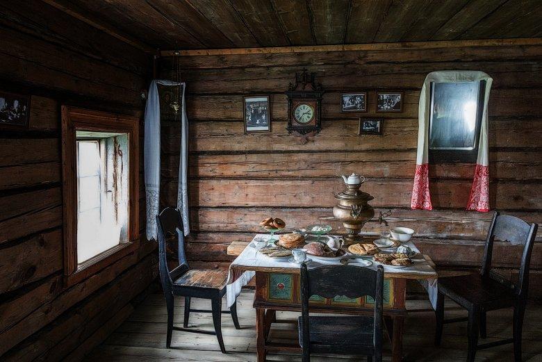 Русский стиль в интерьере загородного деревянного дома - 39 фото