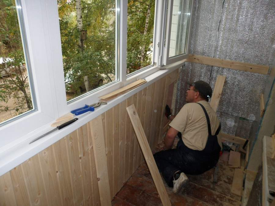 Отделка балкона вагонкой своими руками | советы и рекомендации