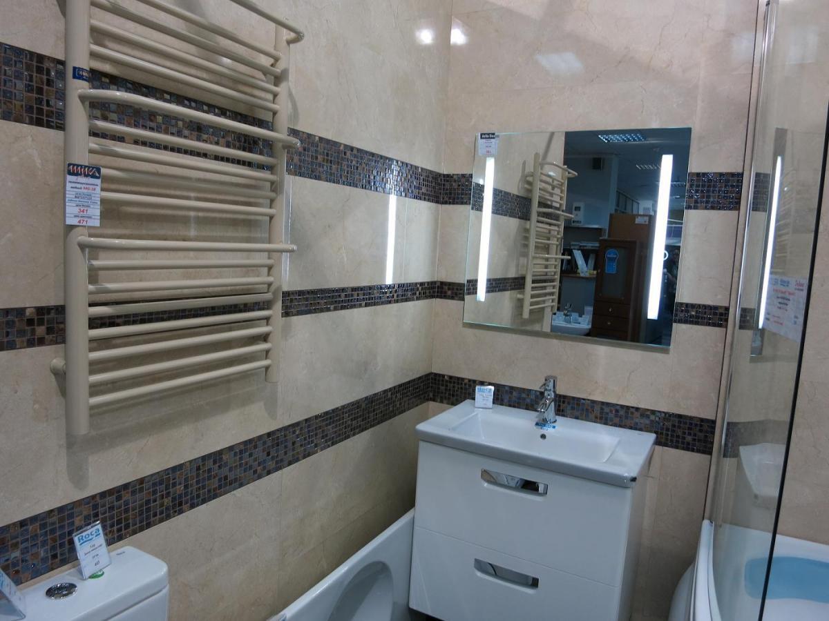 Самостоятельно прячем трубу в ванной комнате