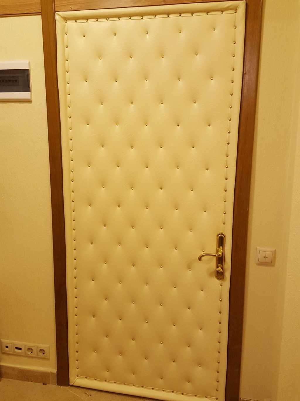 Чем можно обшить дверь входную изнутри. обшиваем дверь дерматином, чтобы сохранить тепло и улучшить звукоизоляцию