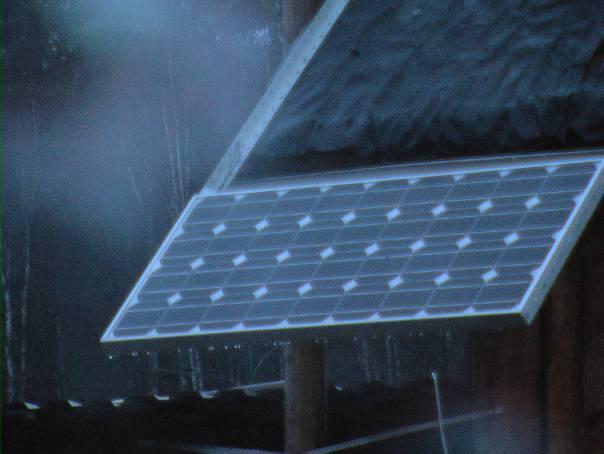 Работа солнечных батарей ночью и под тучами