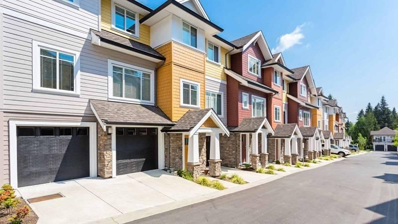 Что выгоднее купить квартиру или дом — реальное время