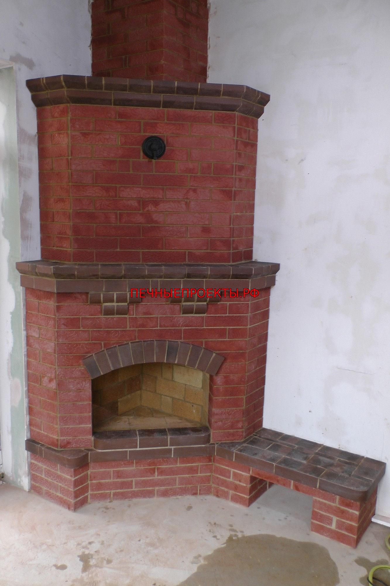 Угловой камин из кирпича: как сделать уникальную конструкцию для уютного дома