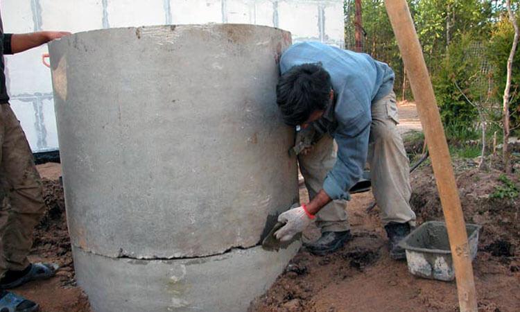 Гидропломба для колодца: как правильно заделать щели в бетонных кольцах