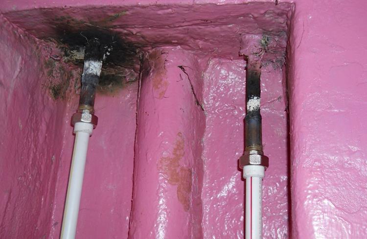 Что делать, если течет труба в ванной – способы устранения протечек