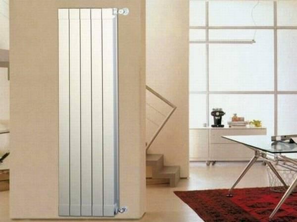 Вертикальные отопительные радиаторы для квартиры