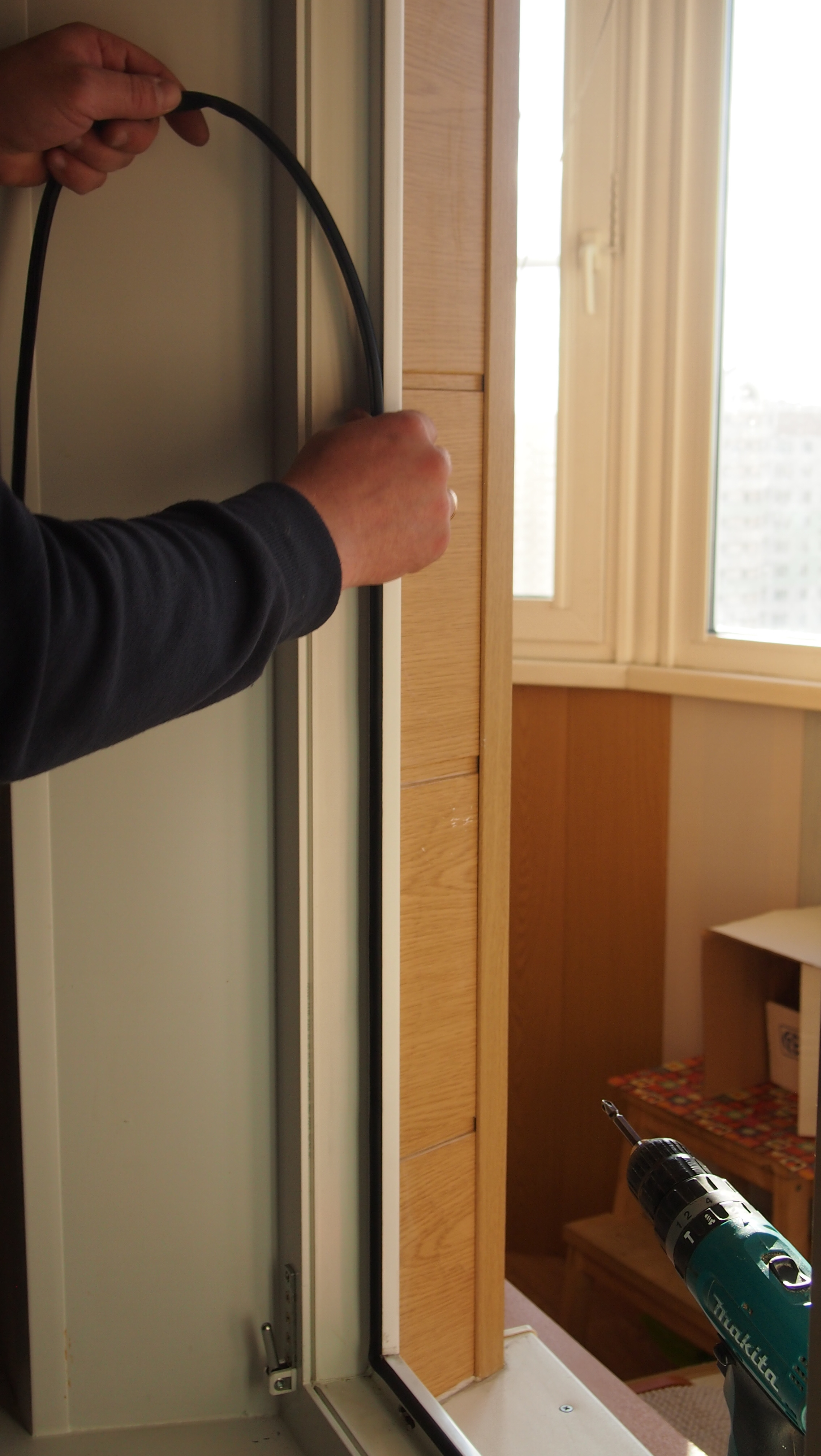 Теплоизоляция входной деревянной, пластиковой и железной двери в частном доме и коттедже: чем и как лучше утеплить двери в деревянном доме своими руками, видео.