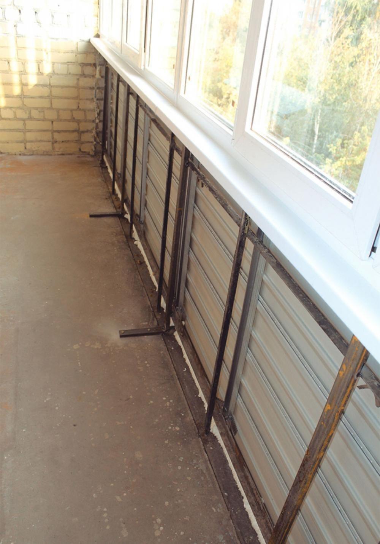 Парапет балкона и лоджии: укрепление и утепеление перед остеклением