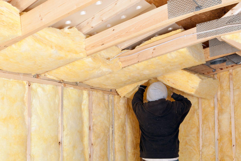 Минвата для утепления потолка: как утеплить потолок в частном доме, толщина и плотность минеральной ваты
