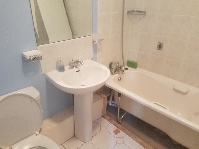 Как скрыть трубы в туалете/ванной комнате: монтаж своими руками с пошаговой инструкцией