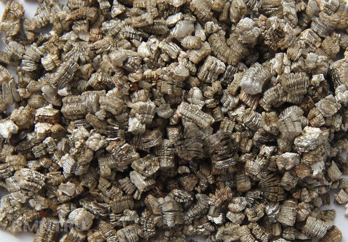 Вермикулит: для чего нужен, области применения и правила использования для растений