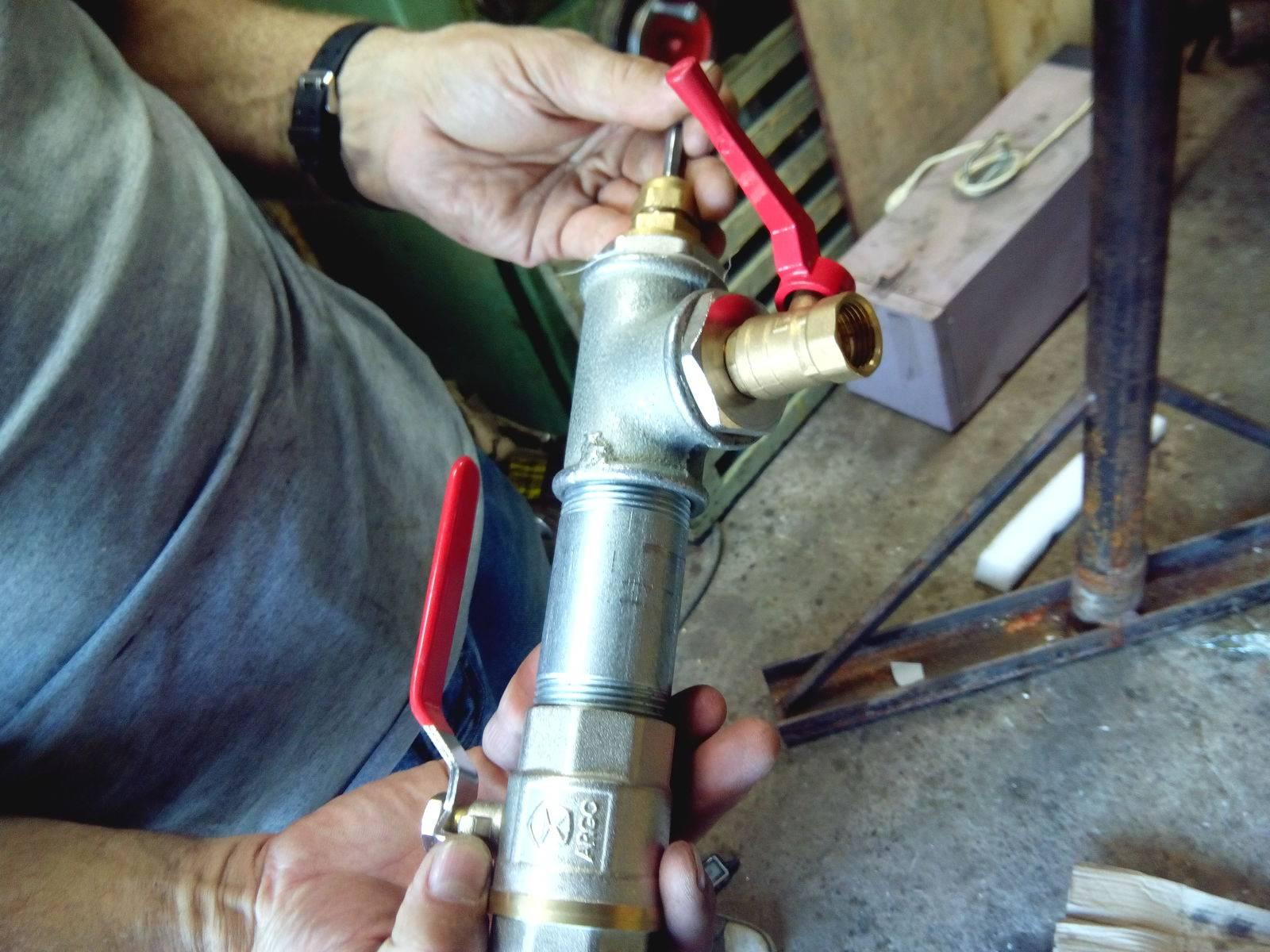 Как врезаться в водопроводную трубу
