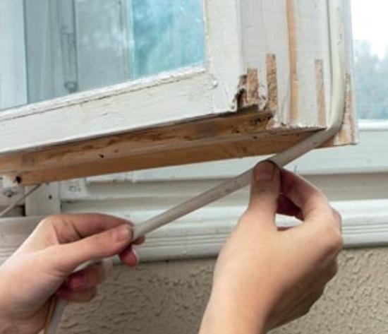 Как на практике утеплить балконную дверь: советы и лайфхаки