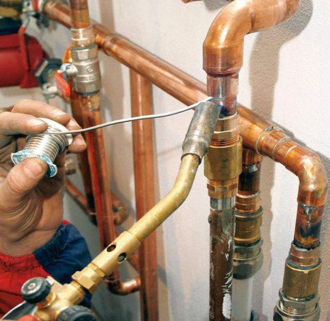 Монтаж труб отопления: особенности выбора и установки труб