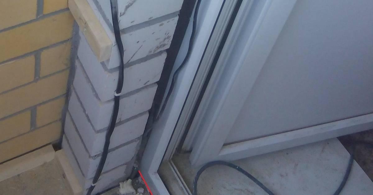 Утепление балконной двери своими руками