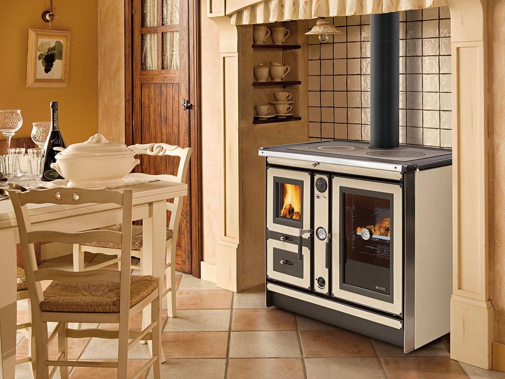 Выбираем отопительно-варочную печь для дачи